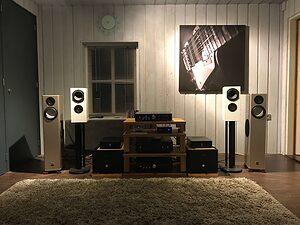 mh listening studio 001