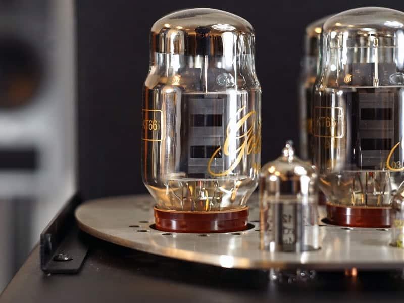 Vacuum Valve Amplifiers